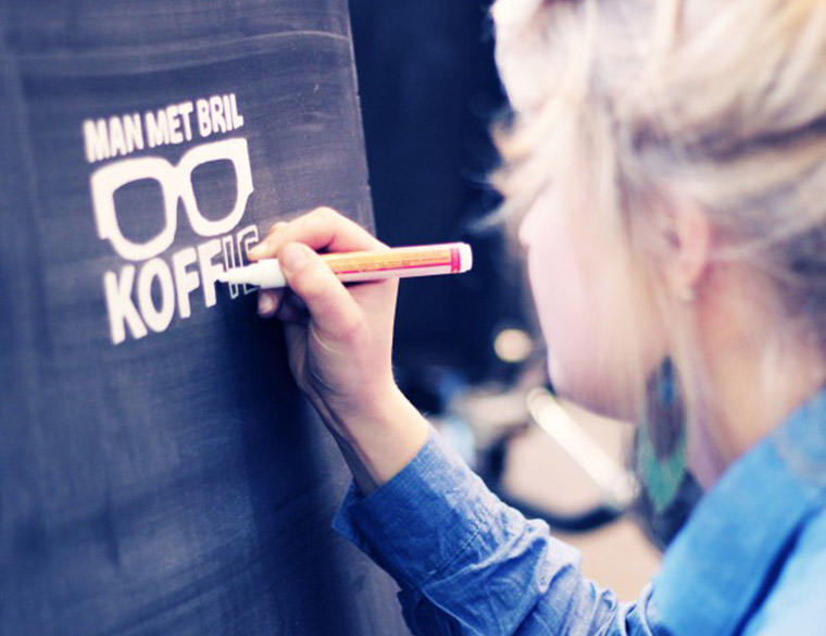 Hofbogen ondernemer: Man met bril koffie, inkleuren