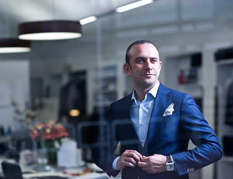 Hofbogen ondernemer: Misura Sartoria, man in maatpak